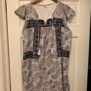 Old Navy Flowy Dress. Size medium.